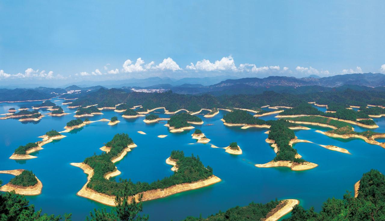 ozero-tysyachi-ostrovov (1)